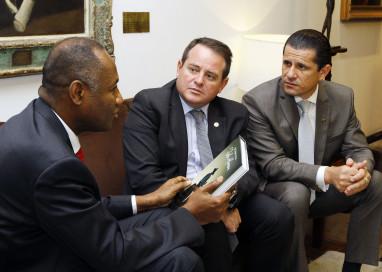 Vice-presidente da Assembleia recebe embaixador do Haiti