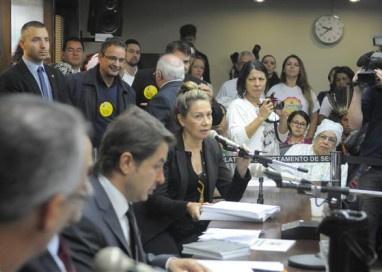 CCJ aprova parecer que impede tramitação do Projeto de Lei 21/2015