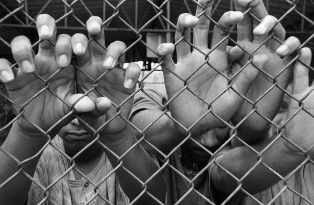 Menores na antiga Febem no bairro do Tatuapé, em São Paulo (Nair Benedicto / N imagens)