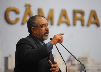 Senador Paulo Paim recebe o título de Cidadão de Porto Alegre