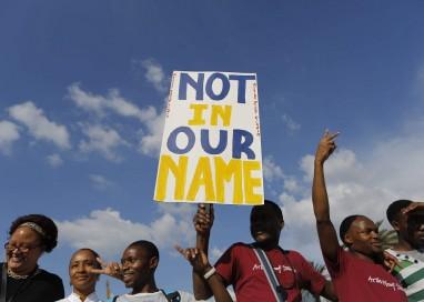 Perseguidos por 'roubar empregos' de locais, estrangeiros são apenas 4% da força de trabalho na África do Sul