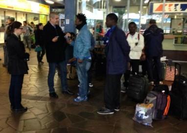 Quatro haitianos e dois senegaleses chegam a Porto Alegre
