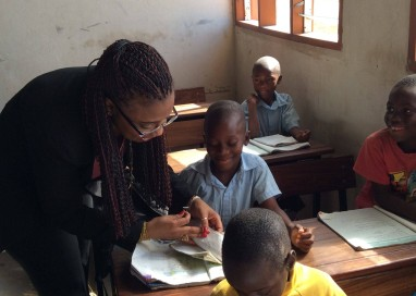 Ministra discute parcerias com governo de Moçambique e visita Instituto de Educação Aberta e a Distância