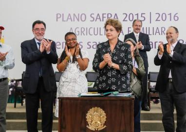 Governo assina regularização de territórios Quilombolas