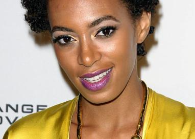 A invisibilidade da estética negra: a dor do racismo sobre nossos cabelos