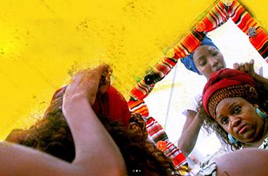 Manifesto Crespo: Tecendo arte e história nos cabelos