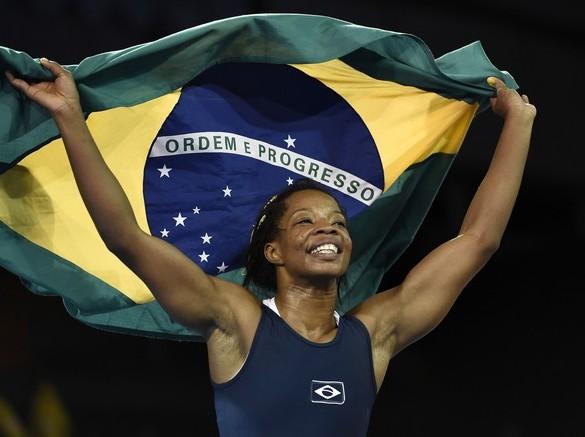 Joice Silva ganha 1º ouro da história na luta olímpica para o Brasil no Pan