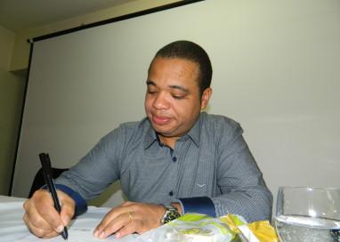 Pesquisador Arilson dos Santos lança livro sobre A Presença Negra em Camaquã, RS