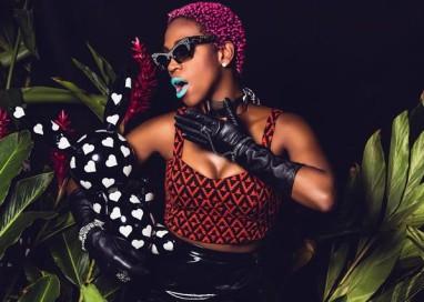 Destaque do rap e hip hop nacional, Karol Conka fala sobre feminismo, moda e música