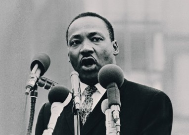 Martin Luther King recebe o Prêmio Nobel da Paz