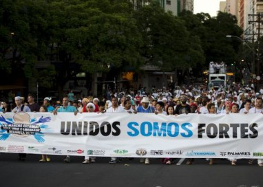 Marcha em Porto Alegre pede o fim da intolerância religiosa