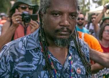 """Palestrante abordado por """"atitude suspeita"""" pela Brigada Militar recebe Moção de Apoio do Fórum Social"""