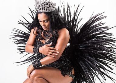 Angolana é a primeira estrangeira à frente da bateria da Pérola Negra