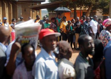 Uganda: governo bloqueia redes sociais durante pleito em que presidente busca reeleição