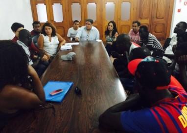 Inserção dos senegaleses no Cadastro Único do Município é debatida em reunião na Prefeitura