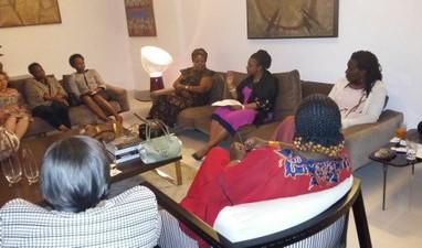 Ministra se reúne com mulheres moçambicanas para diálogo sobre as questões de gênero