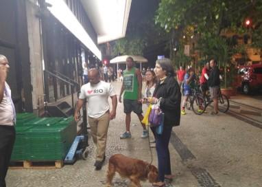 Mulher é presa suspeita de injúria racial em supermercado do Rio