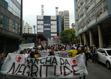 Marcha da Negritude Catarinense realiza grande ato de protesto nas ruas de Florianópolis