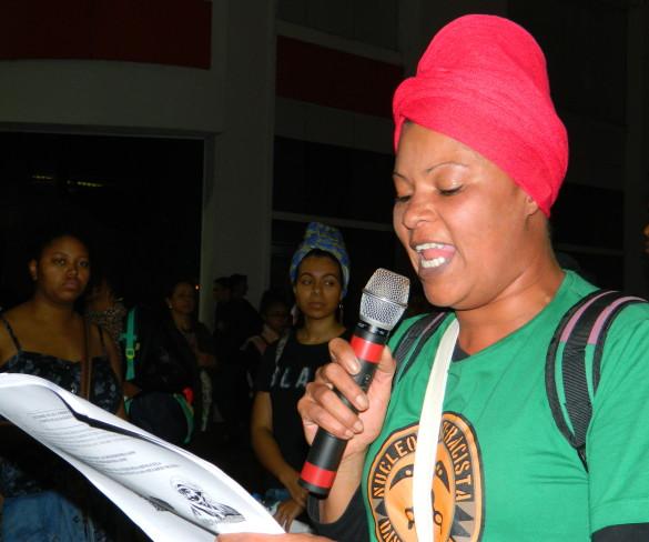 Grupo 8 de Março realiza intervenção na esquina democrática pelo Dia Internacional da Mulher Negra Latina e Caribenha