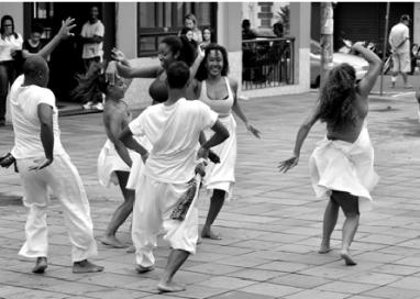 Oficina Corpo Odara: Dança Negra Contemporânea