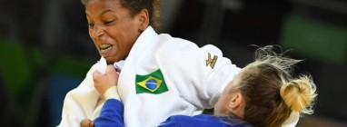 Rafaela Silva, judoca de 24 anos, trouxe o primeiro ouro para o Brasil na Rio 2016