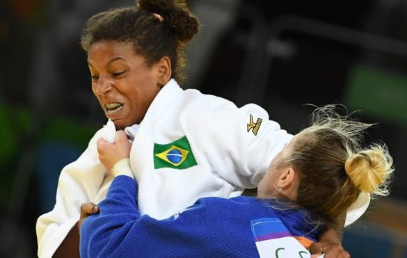 O judô que muda vida em favelas e deu ouro a Rafaela Silva