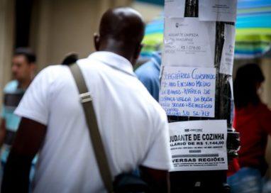 IBGE: Salário de brancos é 80% maior que de pretos e pardos