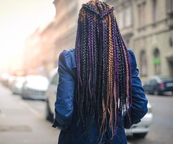 Escola pune gêmeas por trança no cabelo e gera debate sobre discriminação