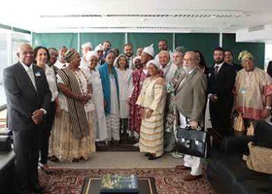 Ministra Cármen Lúcia se reúne com representantes de religiões afro-brasileiras