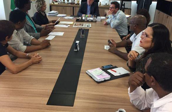 Racismo em Blumenau: comitiva reúne-se com secretário de Segurança
