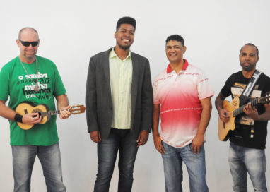 Puro Asthral estreia show Referências