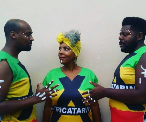 Bloco Africatarina retorna as ruas de Florianópolis para resgatar a tradição carnavalesca negra