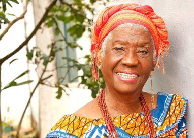 Morre, aos 81, a escritora e artista plástica Raquel Trindade