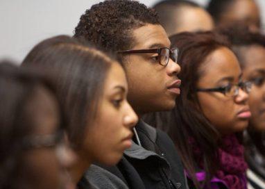 Decreto assegurará 30% das vagas de estágios para jovens negros e negras na administração pública