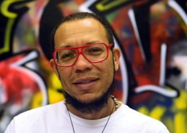 Sopapo Poético recebe o ativista cultural Michel Yakini