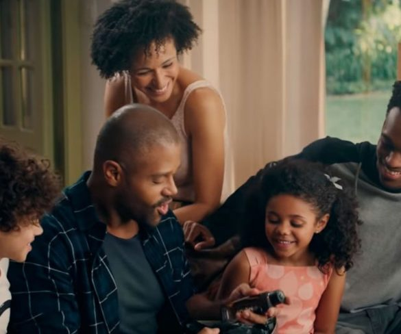 No país onde negros são minoria nas telas, anúncio d'O Boticário faz explodir racismo nas redes