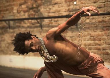 """Dança teatro – """"Breguetu"""""""