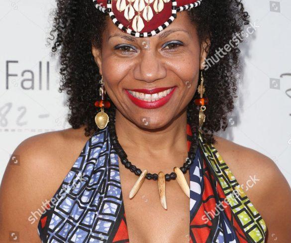 Brasil recebe a rainha   Diambi Kabatusuila